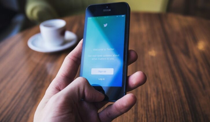 How Small Businesses Can Master Twitter